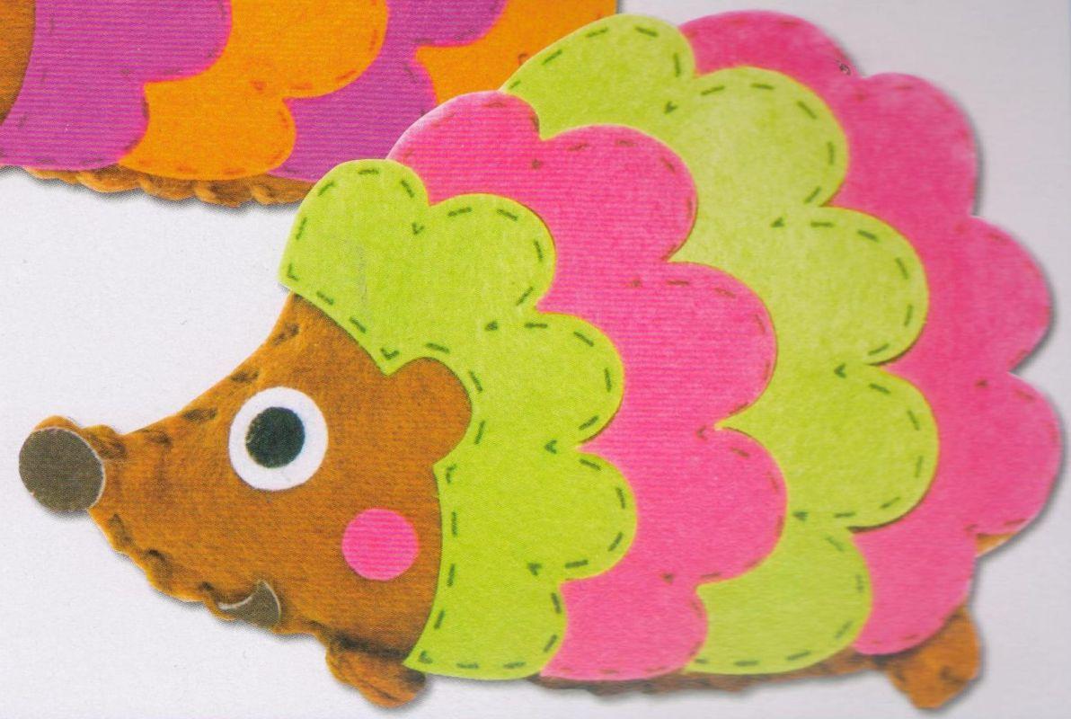 První šití, ježek, zeleno/růžový